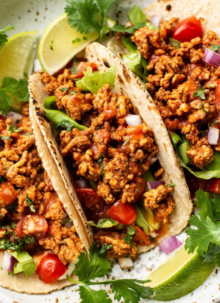 easy ground turkey tacos close-up