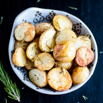 Rosemary Roasted Potatoes - little potatoes that are crispy on the outside and fluffy on the inside. An easy to make side dish!