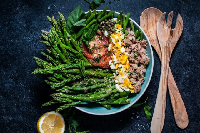 This asparagus and green bean salad is fresh, filling, and delicious!
