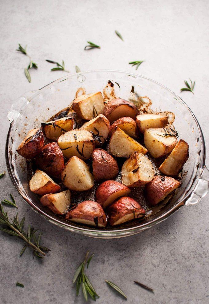 Lemon and rosemary roasted potatoes: one of 3 easy vegetarian Thanksgiving sides! | Salt & Lavender
