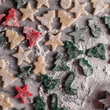 These homemade marzipan Christmas treats are cute, easy to make, and are a tasty and unique holiday sweet. Perfect for your cookie exchange or a homemade gift!