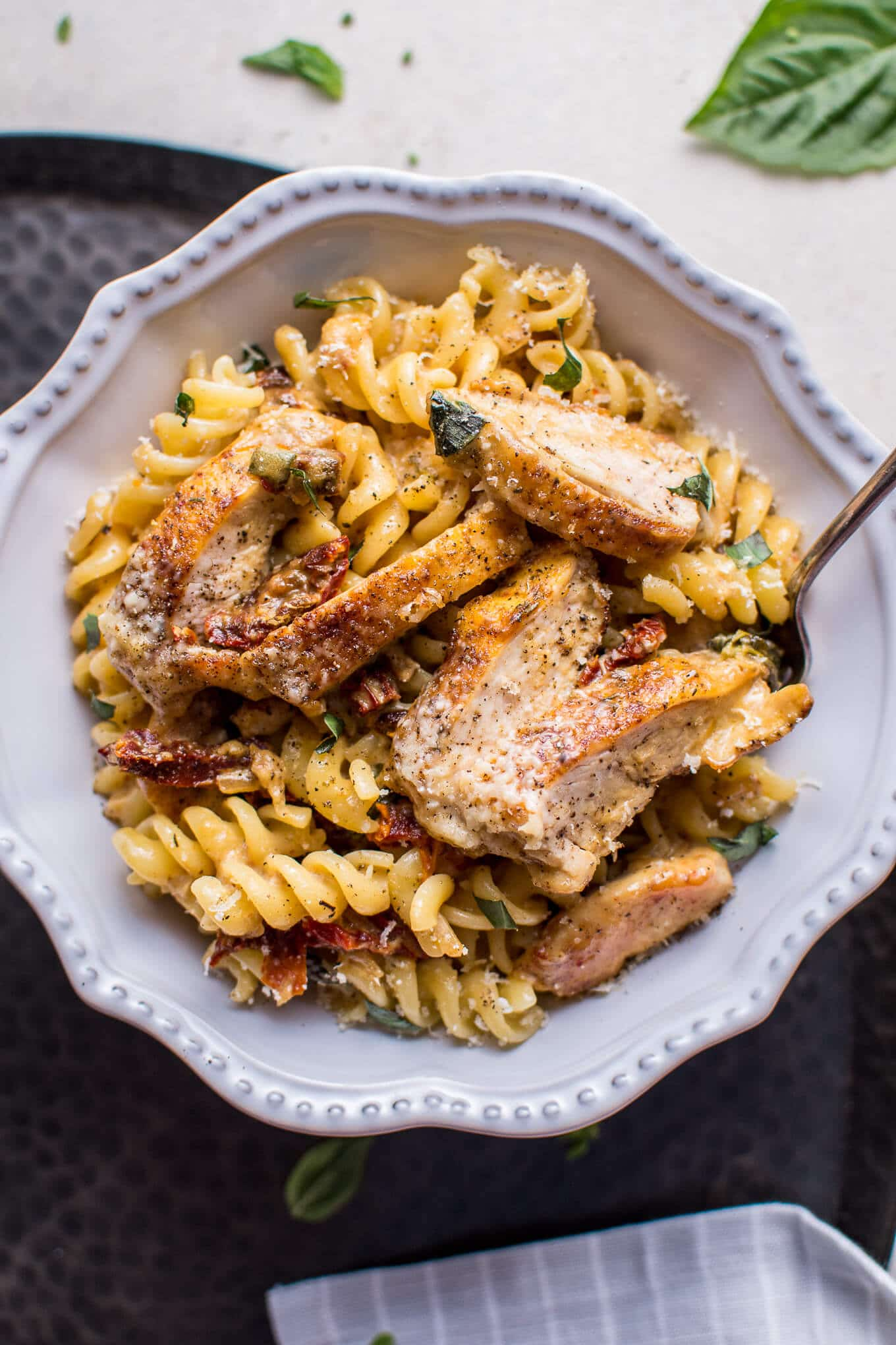 This creamy sun-dried tomato and basil chicken pasta is fast, easy to ...