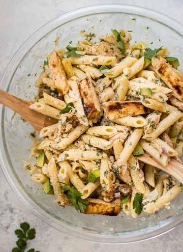 This healthy grilledchicken pasta salad is full of fresh summer flavors and smoky BBQ sauce! The creamy dressing is lightened up with Greek yogurt.