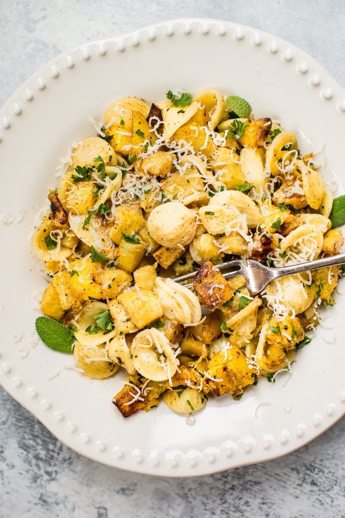 This roasted butternut squash pasta recipe is sure to become a favorite this fall! Butternut squash, warm spices, sage, and a brown butter sauce makes this easy pasta recipe a winner.