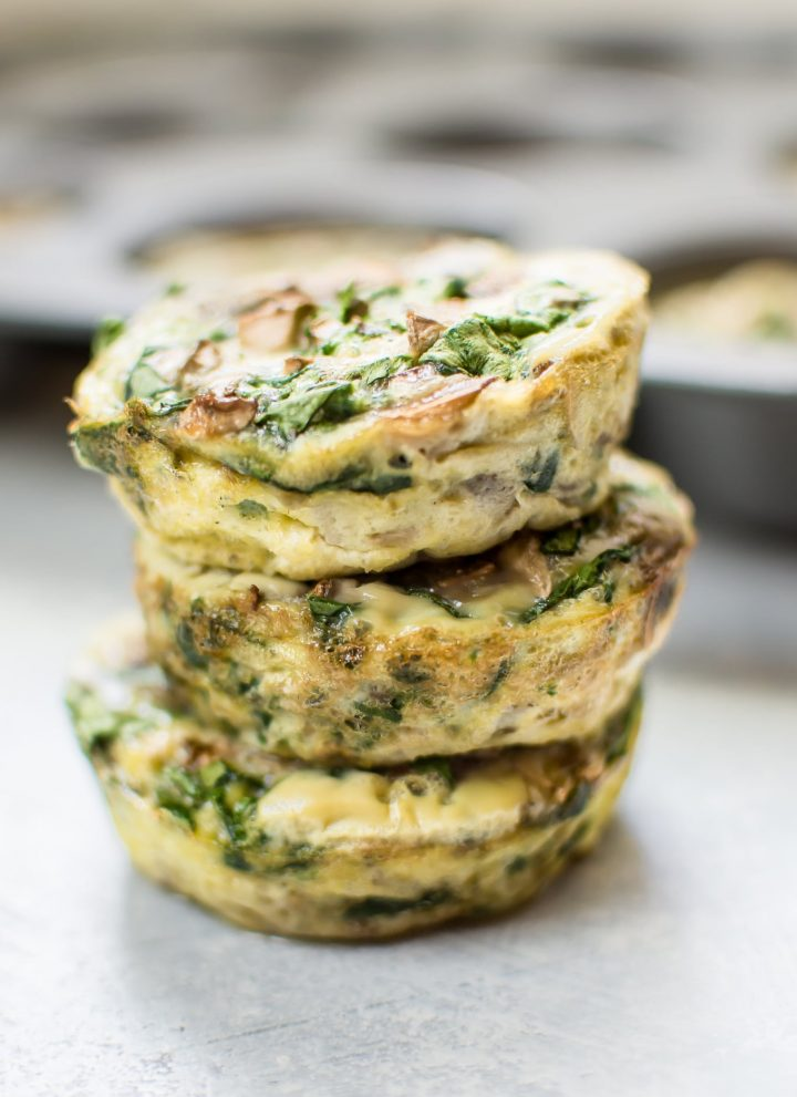 These spinach and mushroom low-carb breakfast egg muffins are the perfect make-ahead breakfast recipe! Only 40 calories each.