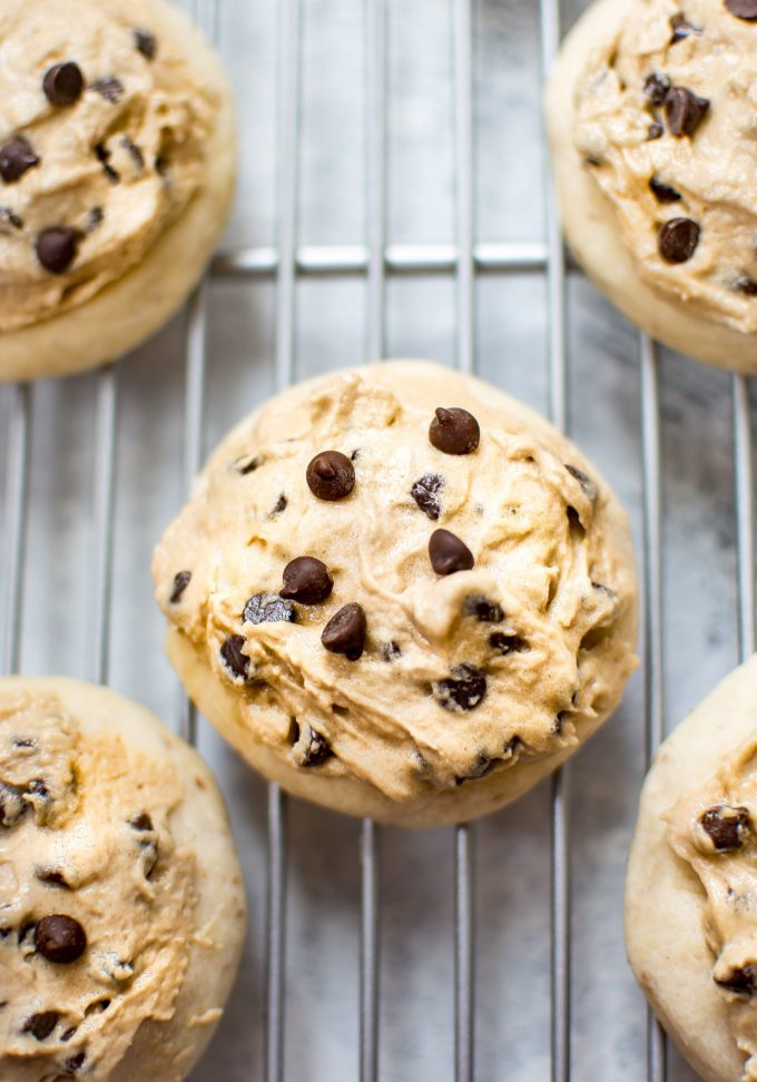 This vegan cookie dough frosting is the perfect easy topping for cookies or cupcakes! A delicious eggless chocolate chip cookie dough icing recipe.