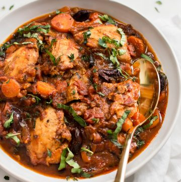 Yes, you can make authentic Italian Chicken Cacciatore in the Instant Pot! This electric pressure cooker Chicken Cacciatore recipe is healthy, easy, and has that delicious traditional taste. You can make it with boneless chicken thighs or chicken breasts if you wish. You will love this classic rustic chicken recipe!