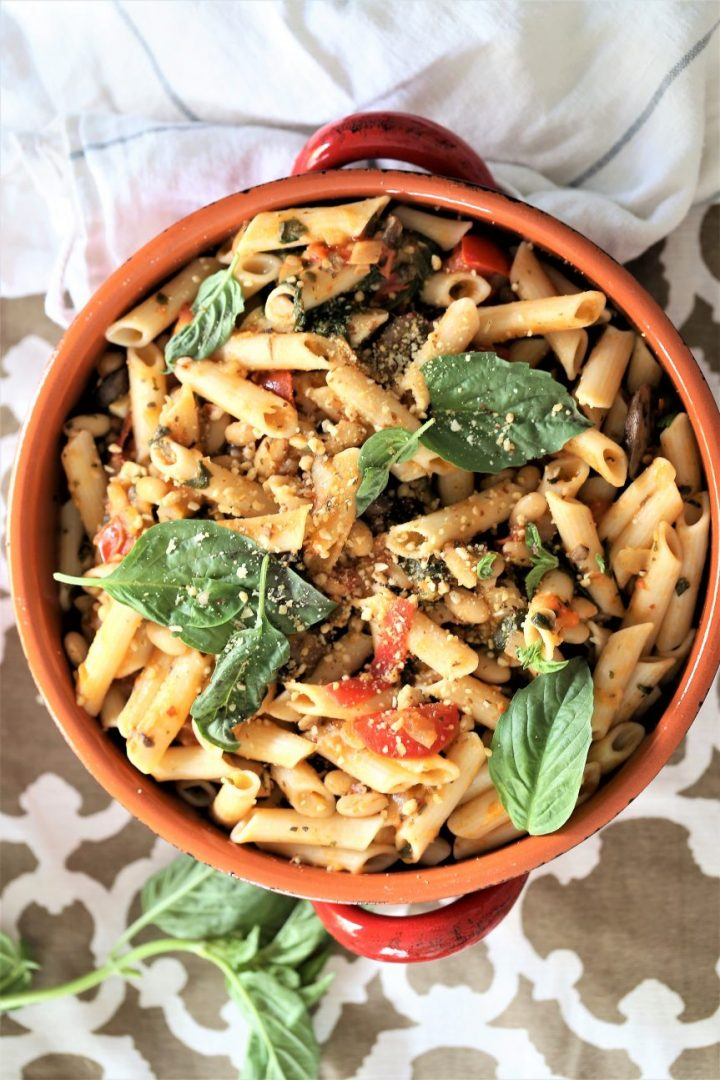 Instant Pot Spinach Mushroom Pasta - One of 30 delicious vegan meal prep recipes in this roundup!