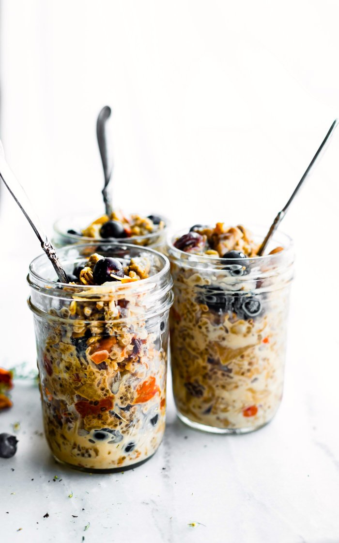 Superfood Instant Pot Oatmeal in a Jar - One of 30 delicious vegan meal prep recipes in this roundup!