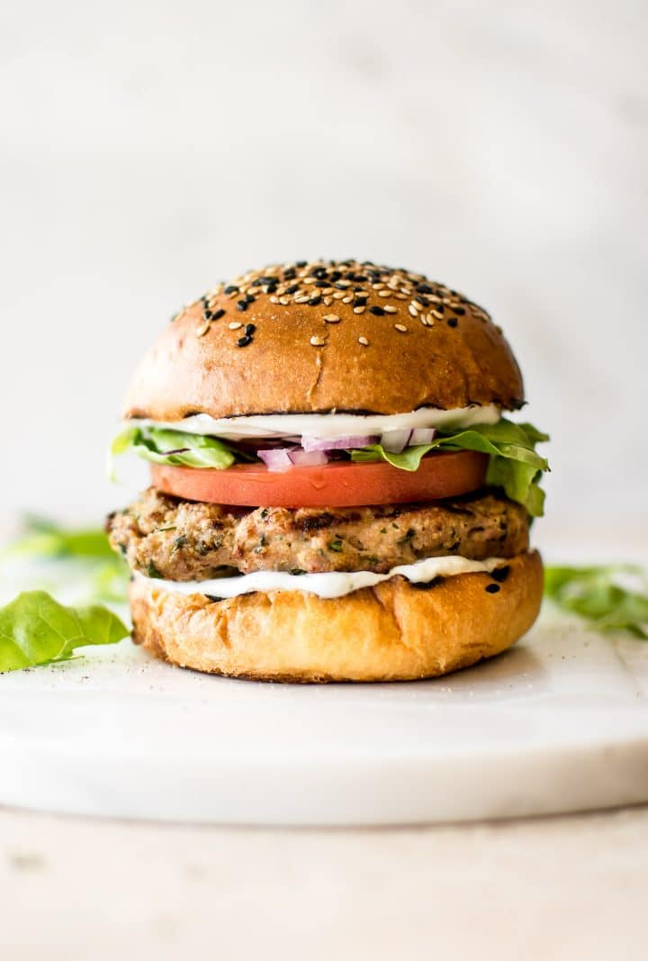 These Healthy Ground Turkey Burgers Are Moist And Flavorful Have The Best Fresh Seasoning Blend