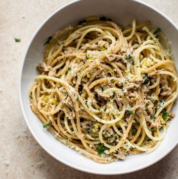 This healthy 15 minute canned tuna pasta is a great time-saver when you're short on time and ingredients!