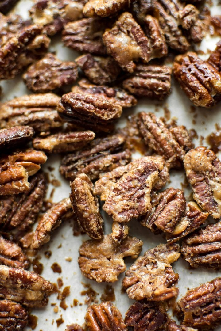 These maple roasted pecans are the perfect fall/winter snack! They're super easy to make and ready in under 25 minutes.