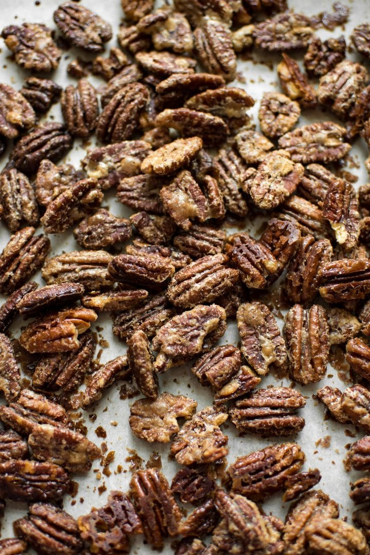 Roasted pecans with brown sugar, vanilla extract, and pure maple syrup. The best snack, homemade gift, or salad topping!
