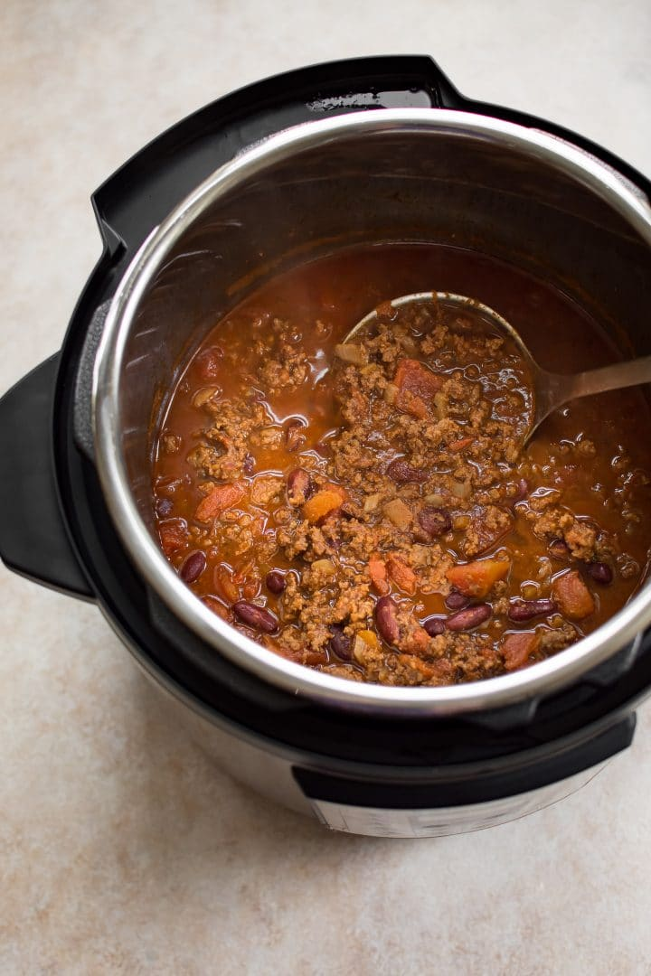 This Instant Pot beef chili recipe is the best! With beans, lean ground beef, Worcestershire sauce, and plenty of delicious spices, this is one rich and flavorful dish.