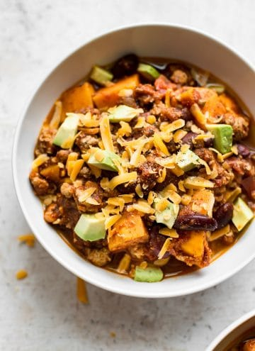 This healthy turkey sweet potato chili will soon become a new family favorite. Make it as spicy (or mild) as you like, and top it with cheddar, avocado, sour cream/Greek yogurt and/or anything else you can think of for a delicious and comforting meal. Perfect for meal prep!