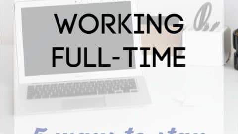 How to Blog Successfully While Working Full-Time: 5 tips on how to stay organized! Yes, it is possible to have an online side business that makes money when you have limited time!