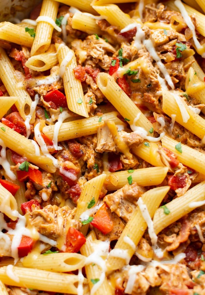 close-up of BBQ chicken pasta