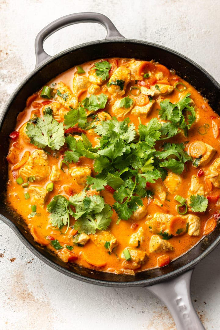 Easy Thai chicken curry (in a skillet)