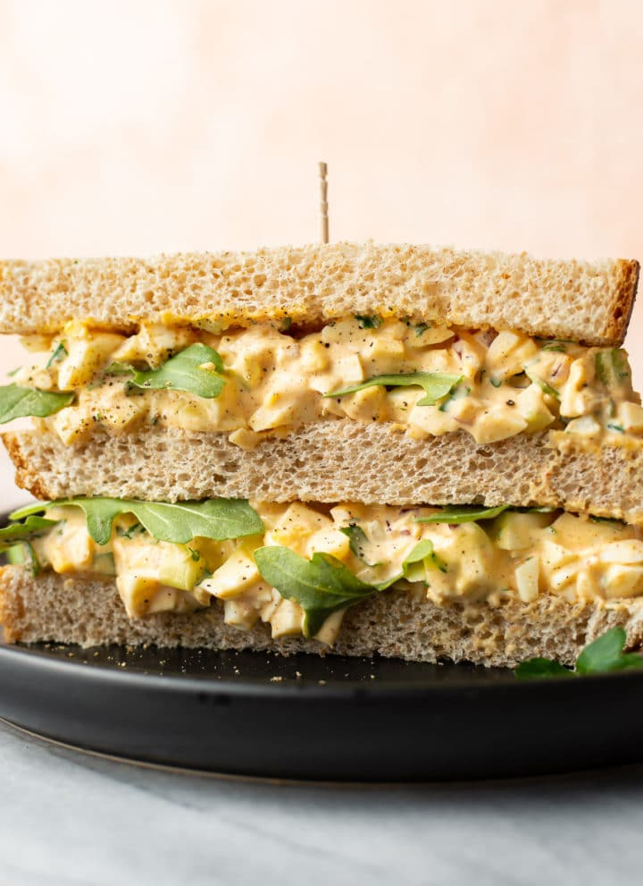 easy egg salad sandwich on a plate (close-up)